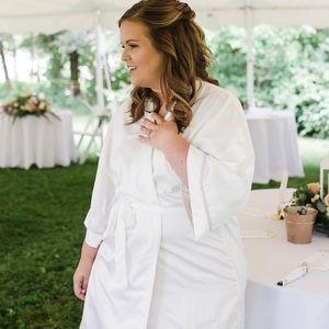 Women's Apt 9 Embroidered Bridal Robe